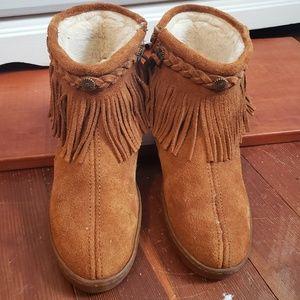 Minnetonka Fringe Sherpa Lined Bootie
